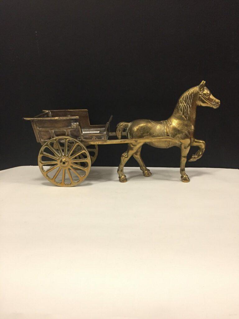 Hest med vogn